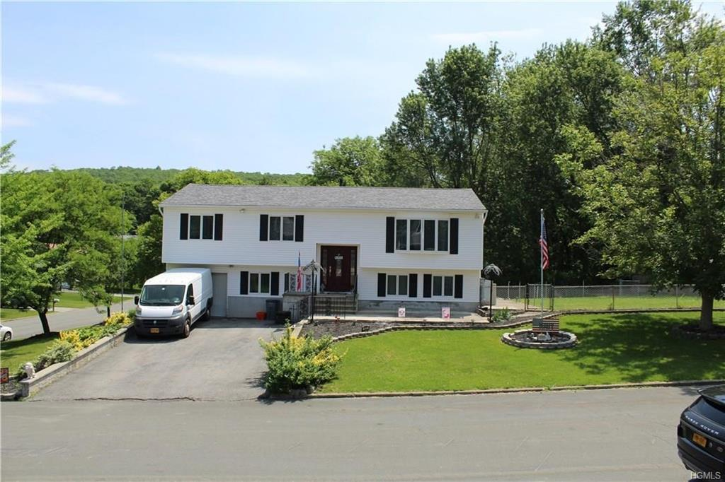 Bilevel,Raised Ranch, Single Family - New Windsor, NY (photo 3)