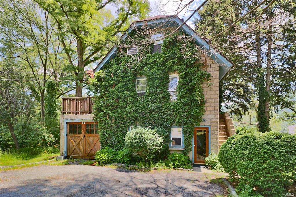 Cottage, Single Family - Fort Montgomery, NY (photo 1)