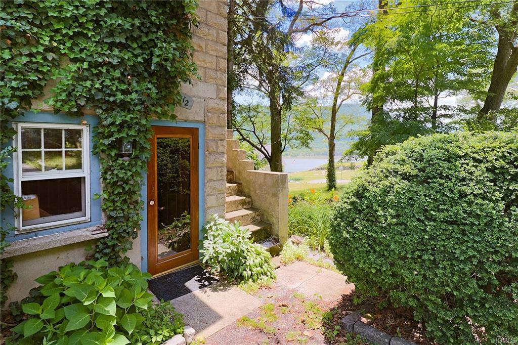 Cottage, Single Family - Fort Montgomery, NY (photo 2)