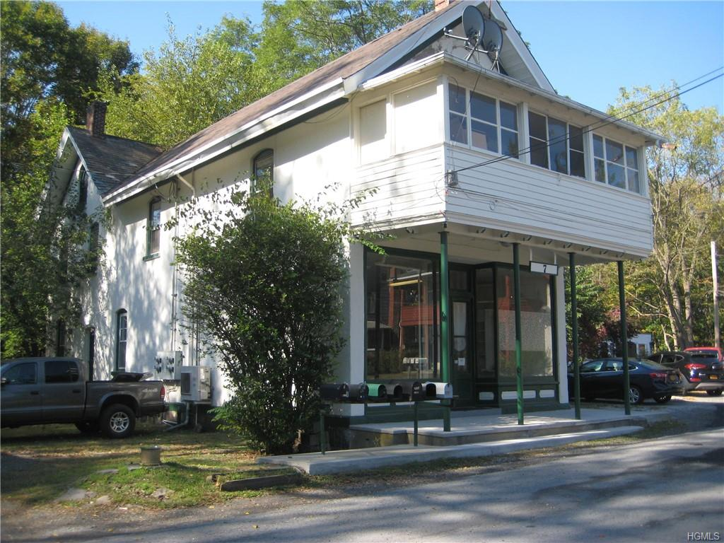 primary photo for 7 Oxford Square, Chester, NY 10918, US