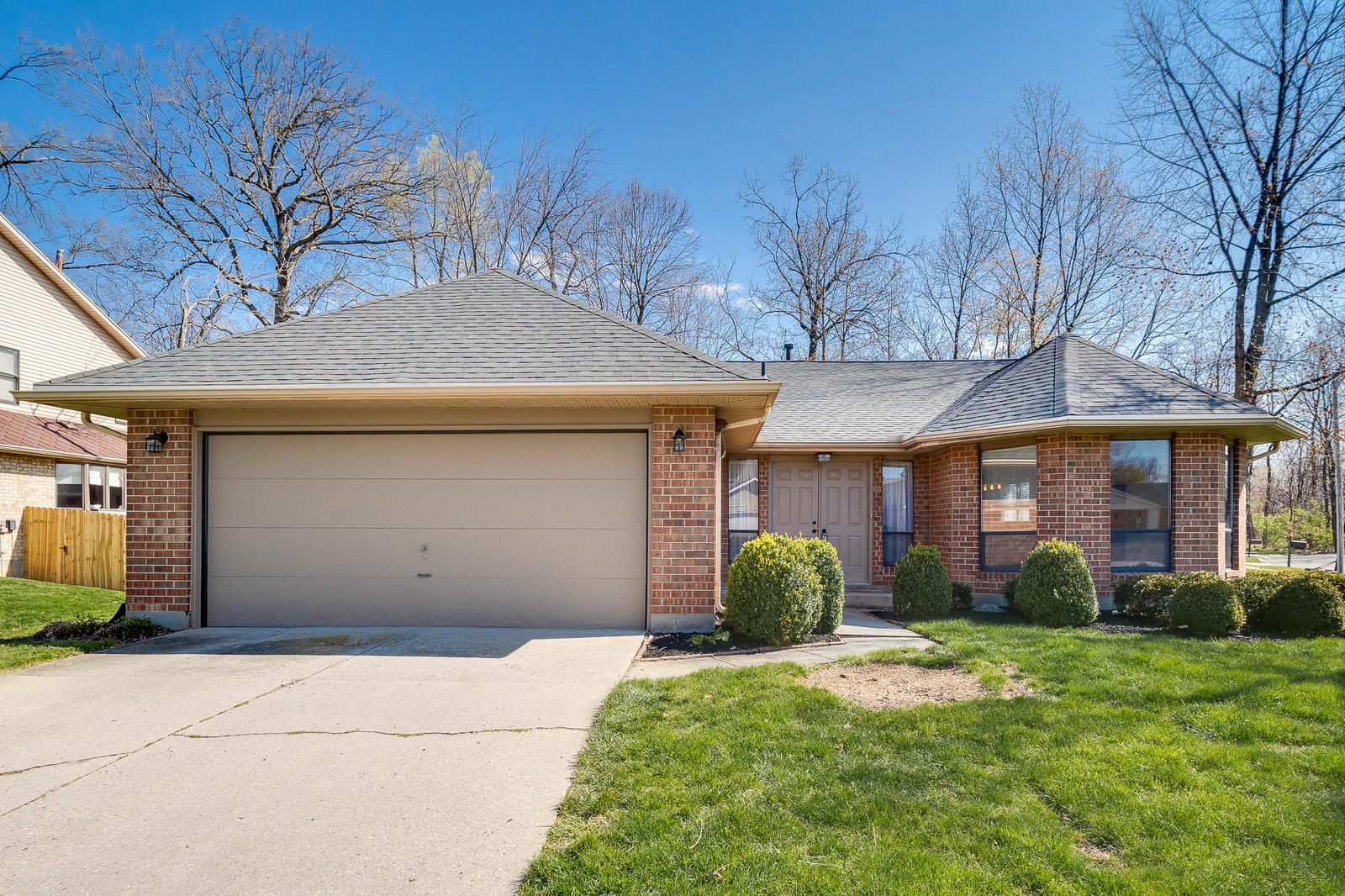 8953 Emeraldgate Drive, Huber Heights, Ohio