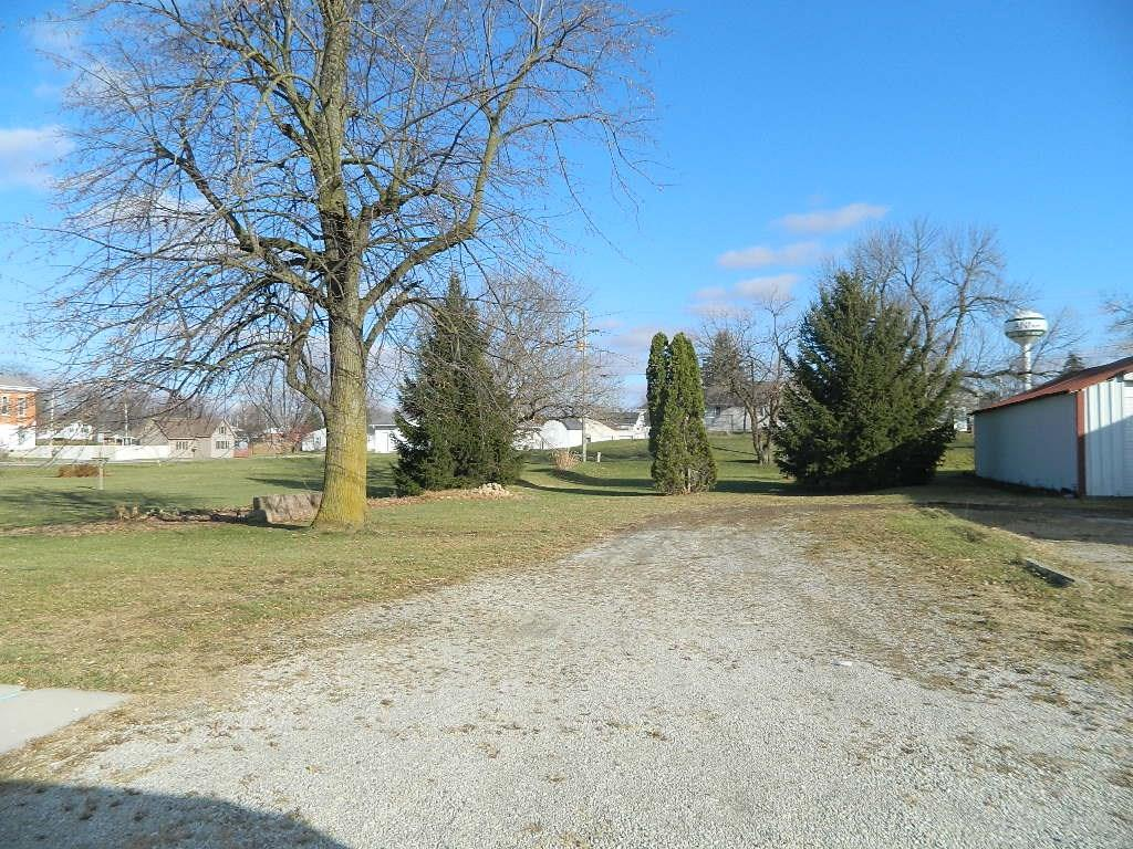 104 S Pike St, Anna, OH 45302