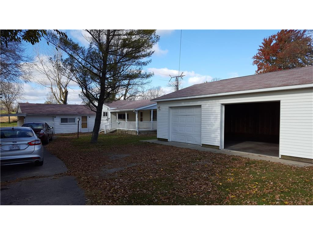Photo of 11925 Green Street  Middleburg  OH
