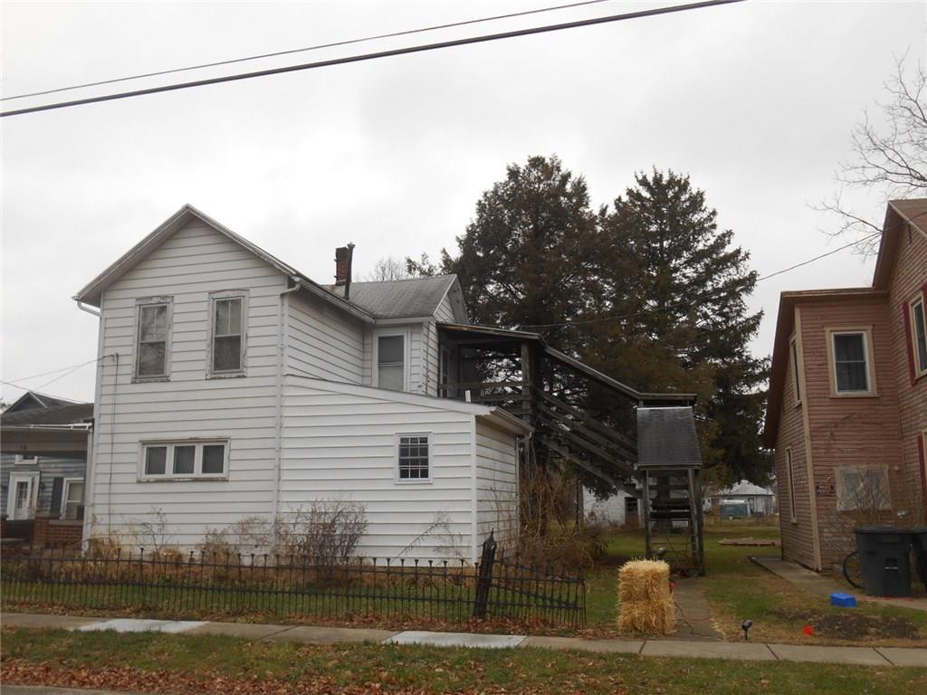 18 North St, Trenton, OH 45067