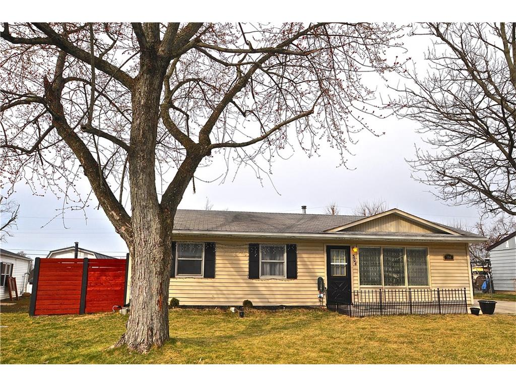 304 Marion Dr, Greenville, OH 45331