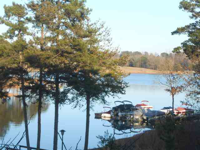 226 Hidden Shores Ln, West Union, SC 29696