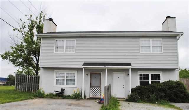 1286 E Blackstock Rd, Moore, SC 29369