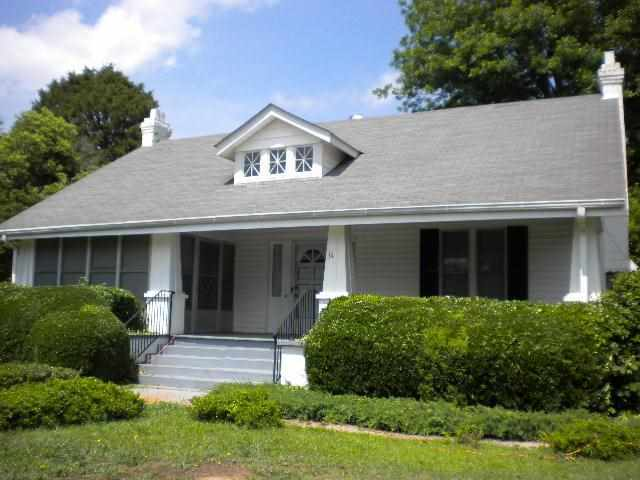 14 Abbeville St, Due West, SC 29639
