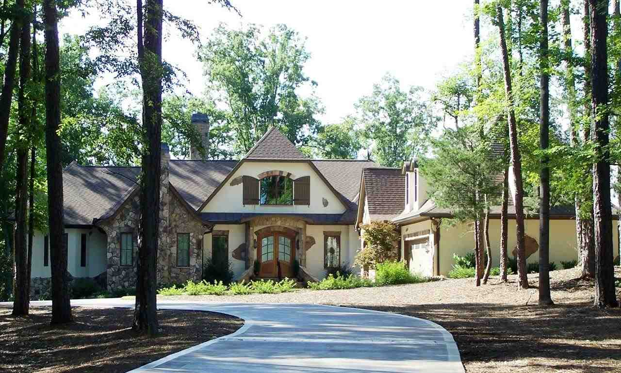 2.3 acres in Seneca, South Carolina