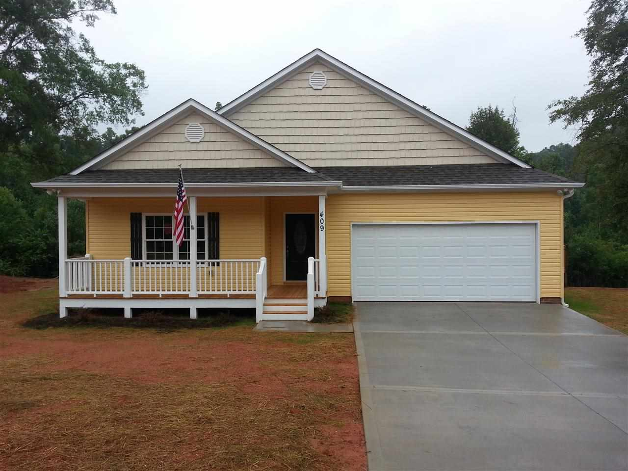 409 N Palmetto St, Liberty, SC 29657
