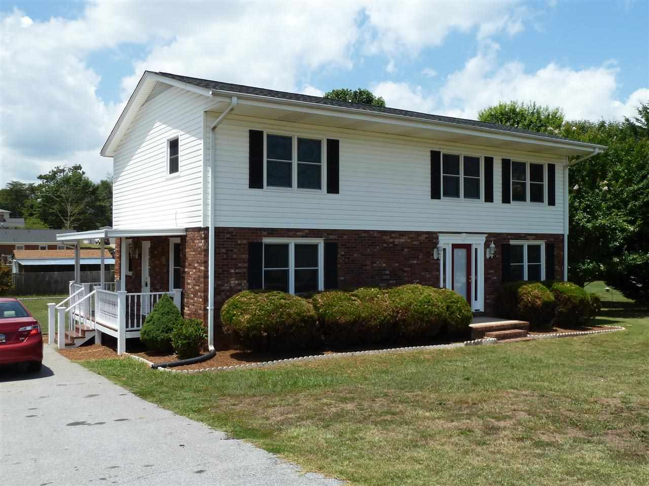 104 Rockmont Rd, Easley, SC 29640