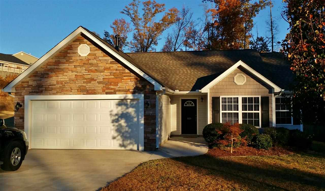 825 E Yorkswell Ct, Moore, SC 29369