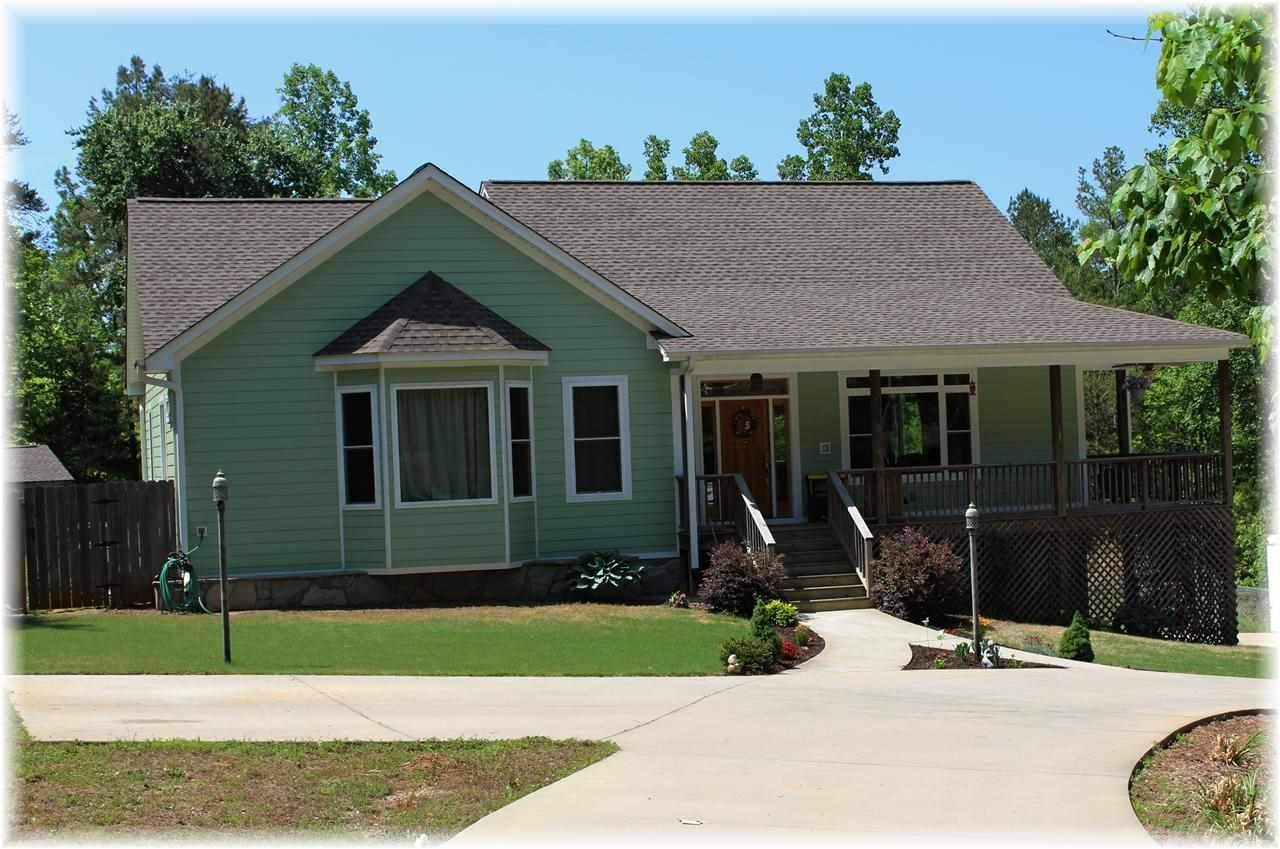 307 Mountain View Dr, Central, SC 29630
