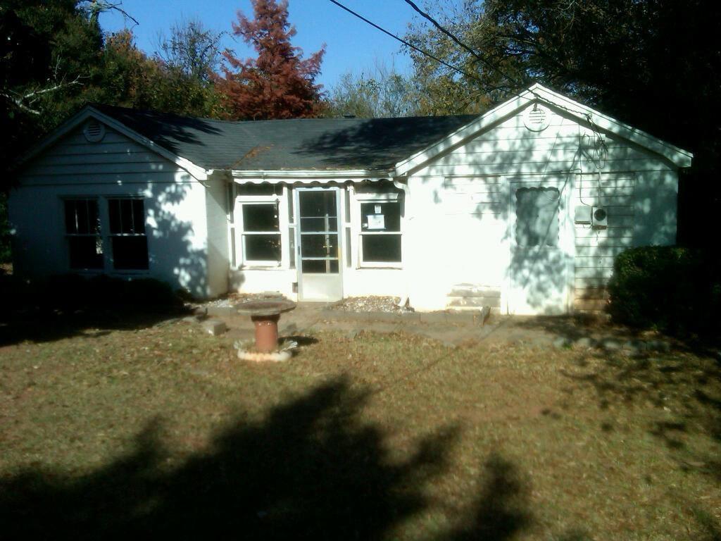 16 Savannah St, Greenville, SC 29617