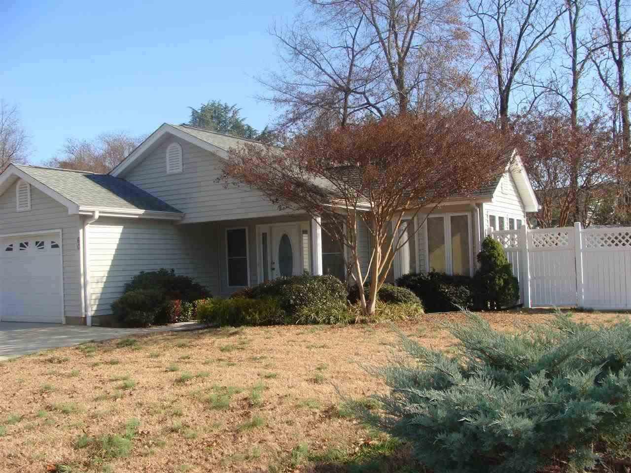Rental Homes for Rent, ListingId:32729344, location: 60 Thompson Ave. Walhalla 29691