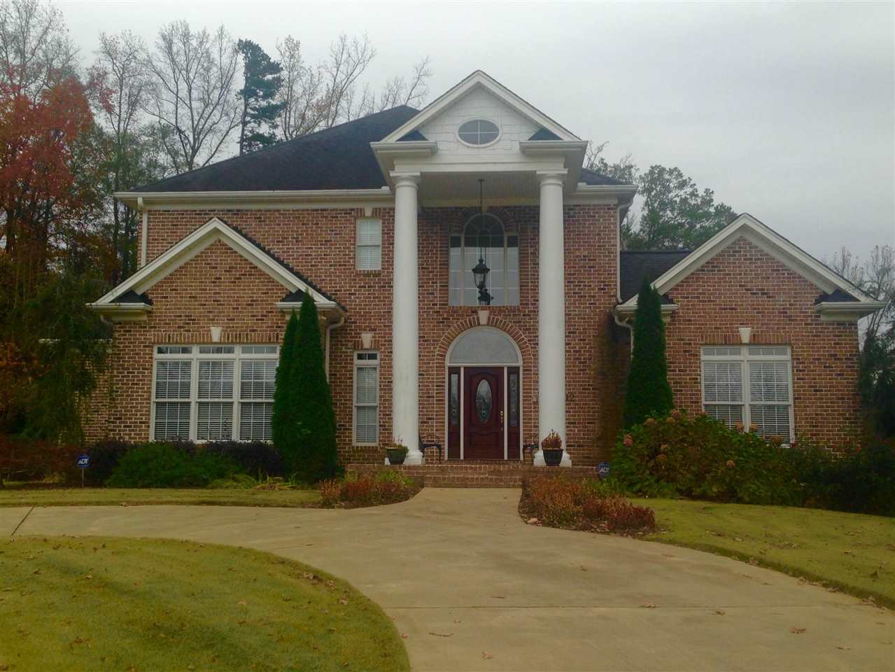 12 Colonel Storrs Ct, Greer, SC 29650