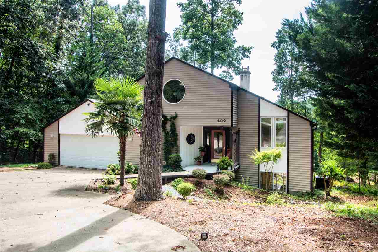 609  Chickasaw Drive, Westminster in  County, SC 29693 Home for Sale