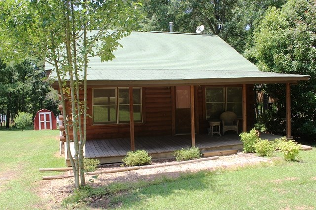 272 Mountain View Dr, Lavonia, GA 30553
