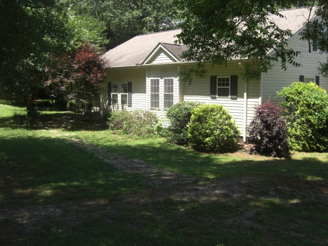 333 N Johnson St, Walhalla, SC 29691