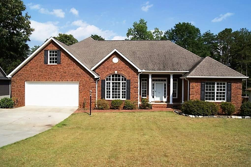 107 Woodsong Dr, Townville, SC 29689