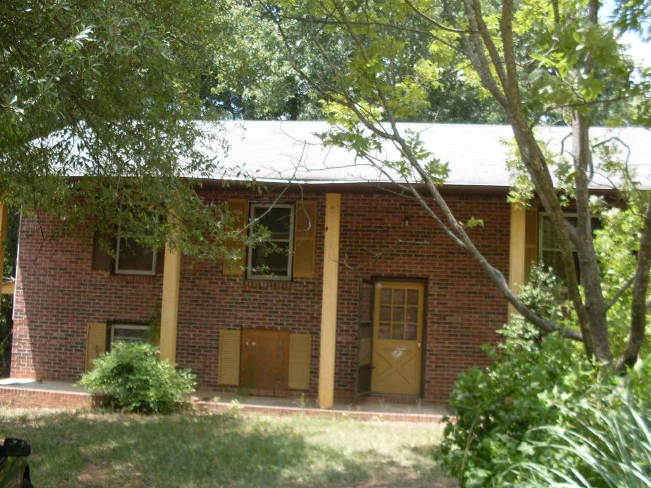 Photo of 315  Camelot Dr  Starr  SC