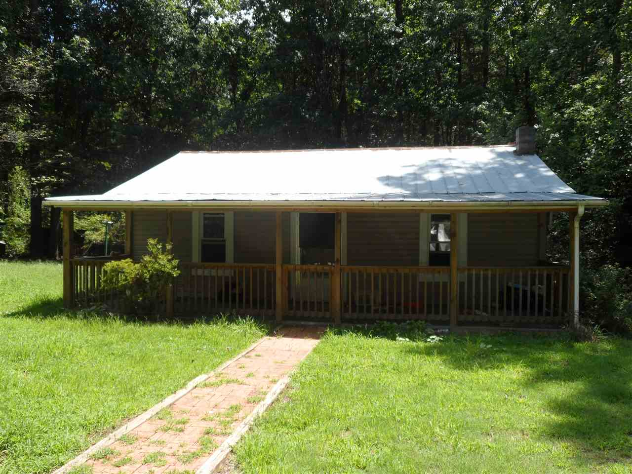 180 Lee Dr, Mountain Rest, SC 29664