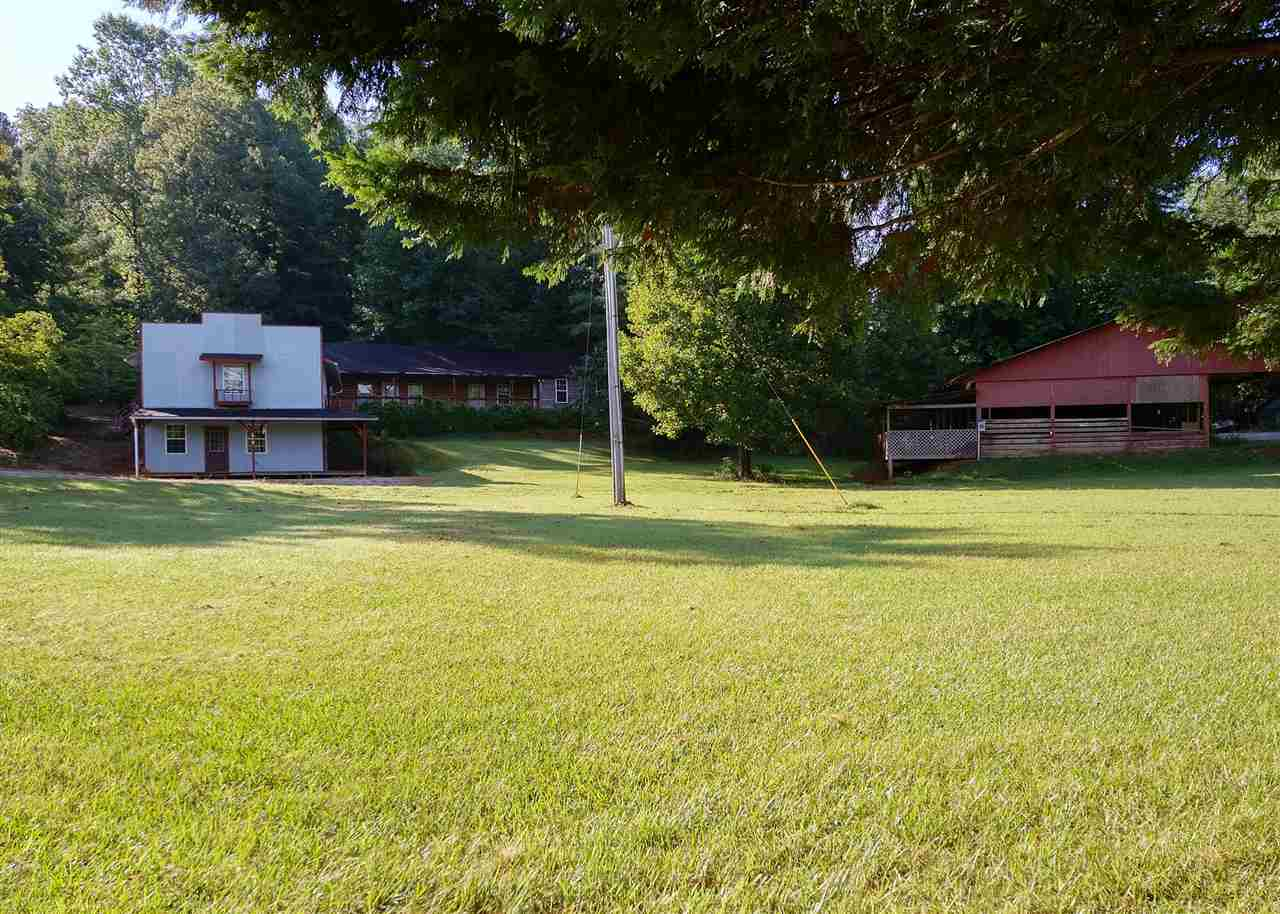 614 Village Dr, Mountain Rest, SC 29664