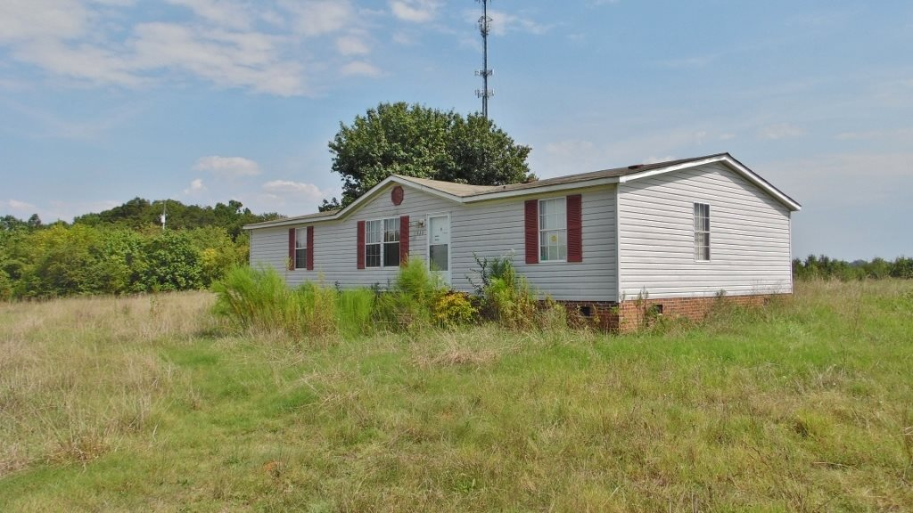 839 Milford Rd, Townville, SC 29689