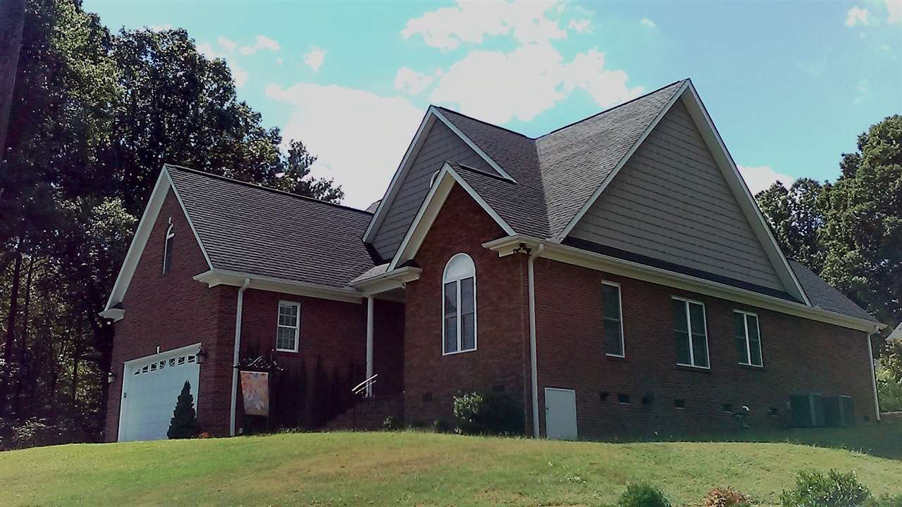 100 Lakeview Dr, Easley, SC 29642