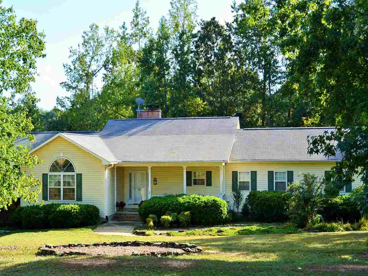 339 Chickasaw Dr, Westminster, SC 29693