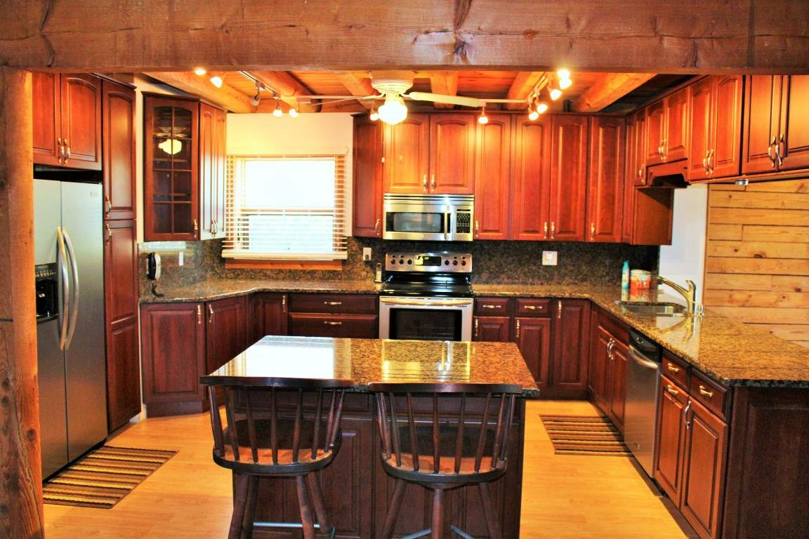 196  Jumping Branch Road, Tamassee, SC 29686