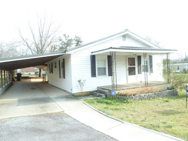 Photo of 102  Pine St  Westminster  SC