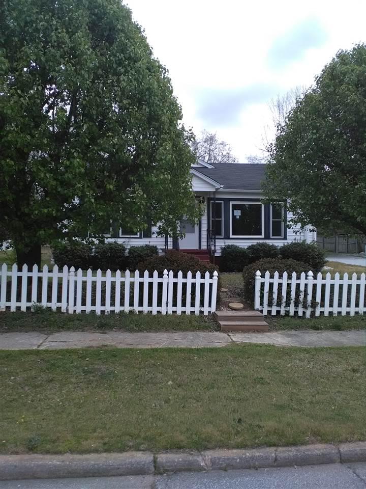Photo of 207 S Oak Street  Seneca  SC