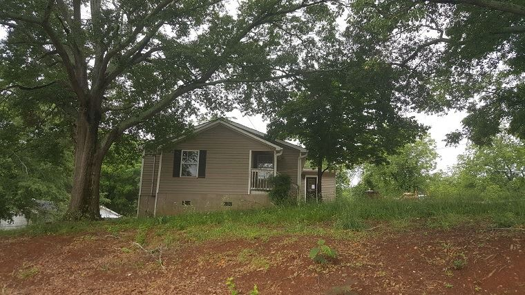 Photo of 208  Holland  Seneca  SC