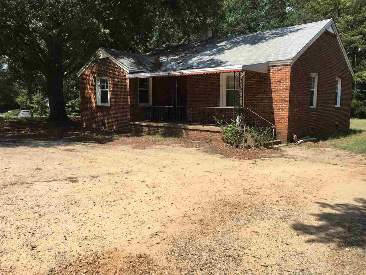Photo of 806  HAMPTON ST  IVA  SC
