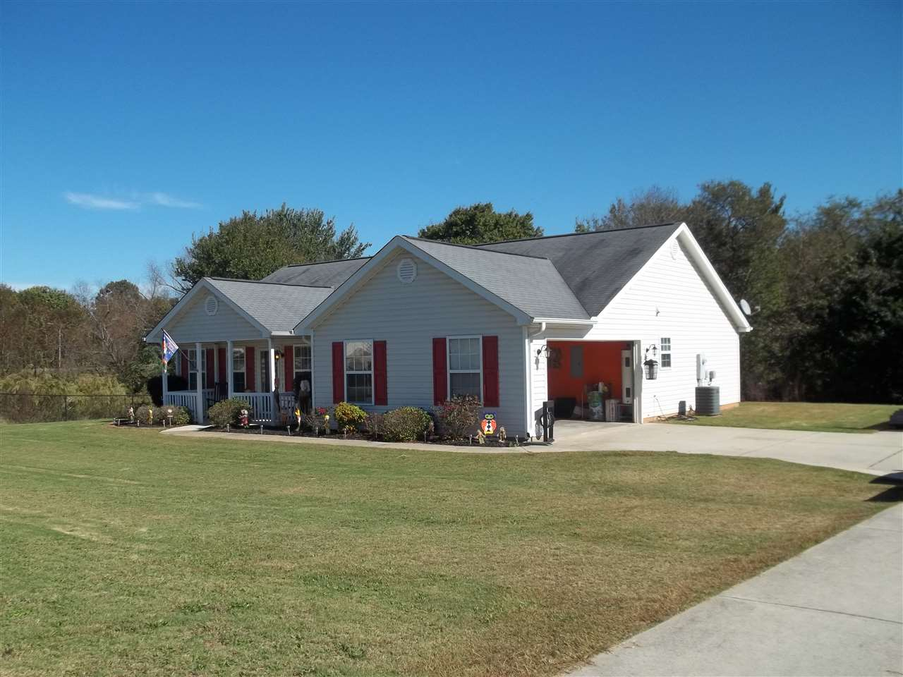 Photo of 115  Chicoma Drive  Townville  SC