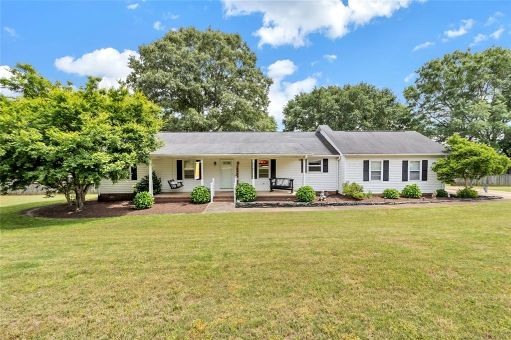 105 Country Lane, Powdersville in Anderson County, SC 29642 Home for Sale
