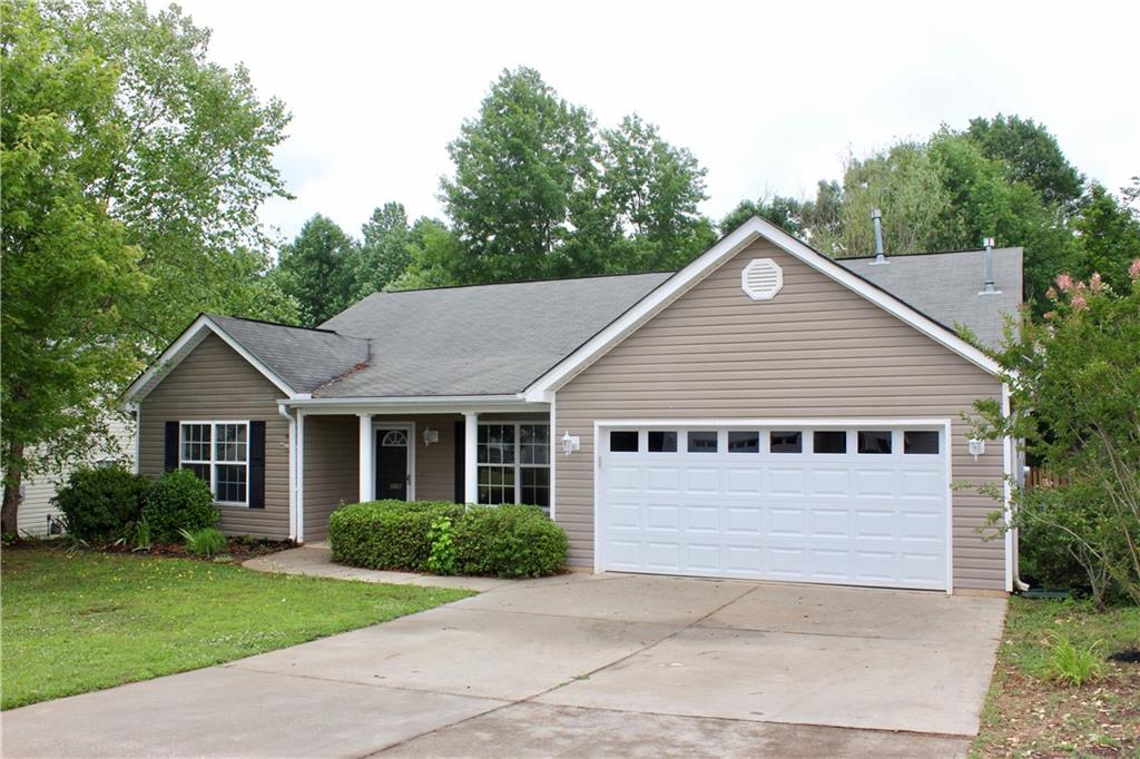 216 Rivers Edge Drive, Easley, South Carolina