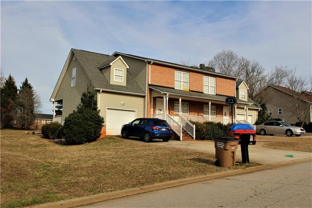 216/218 River Oaks Circle, one of homes for sale in Piedmont