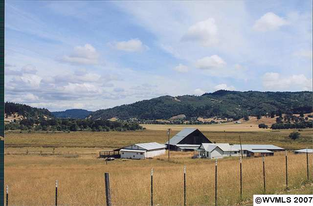 300.06 acres in Wilbur, Oregon