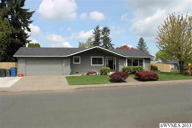 289 Tanglewood Dr, Jefferson, OR 97352