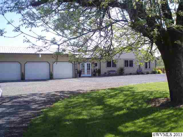 888 N 12th St, Philomath, OR 97370