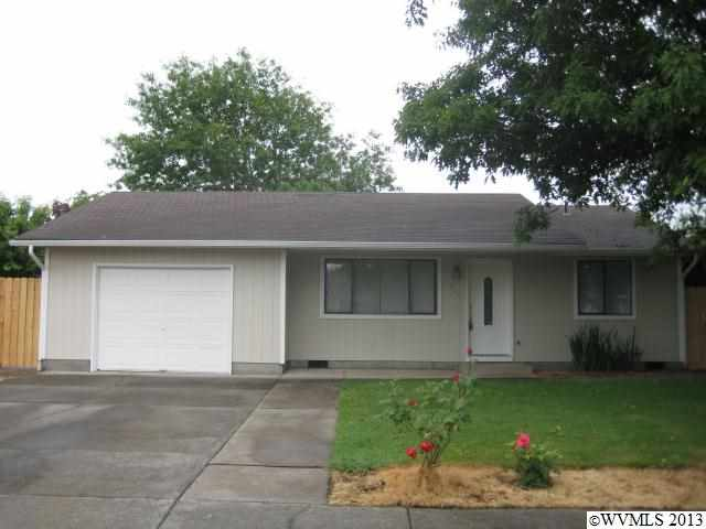 845 N 9th St, Aumsville, OR 97325