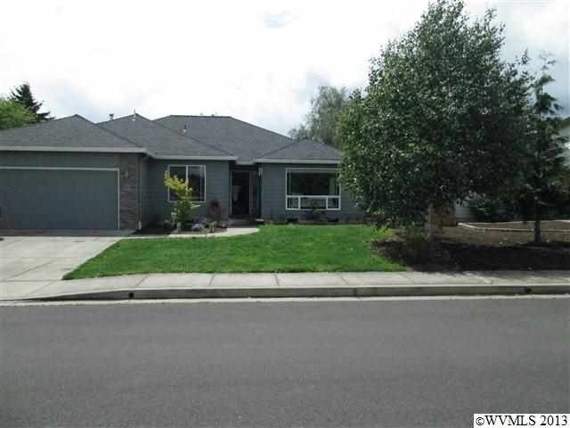 158 8th St, Jefferson, OR 97352