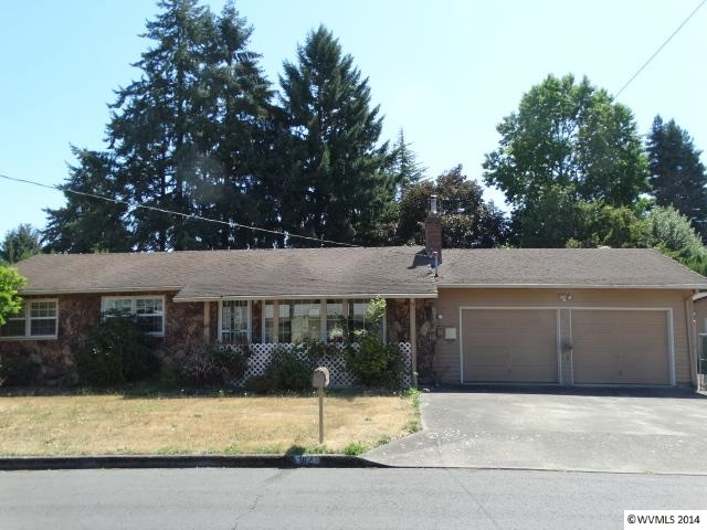912 NE 28th St, McMinnville, OR 97128