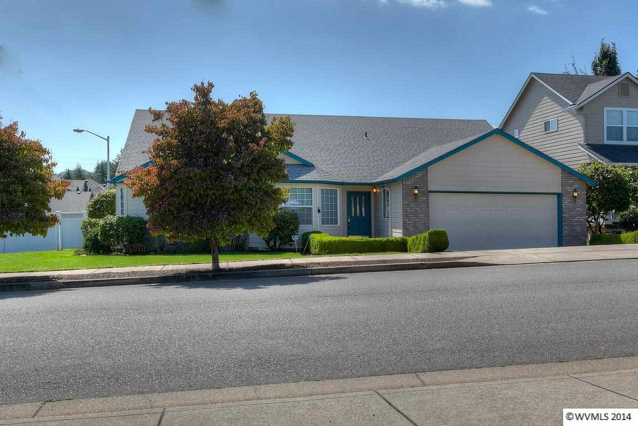 2666 Hoover Ave NW, Salem, OR 97304