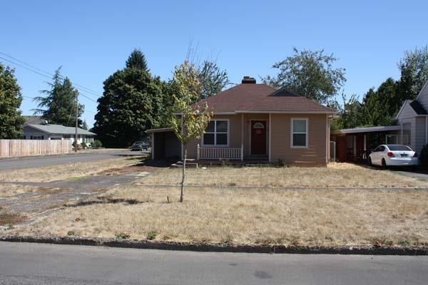 1308 SW Levens St, Dallas, OR 97338