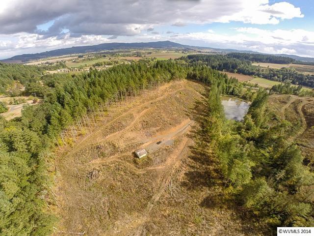 8.06 acres by Gaston, Oregon for sale
