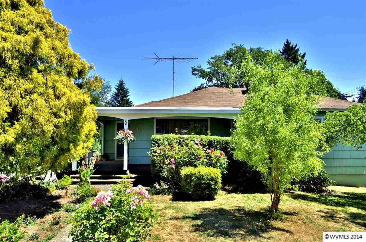 One of Salem 7 Bedroom Homes for Sale