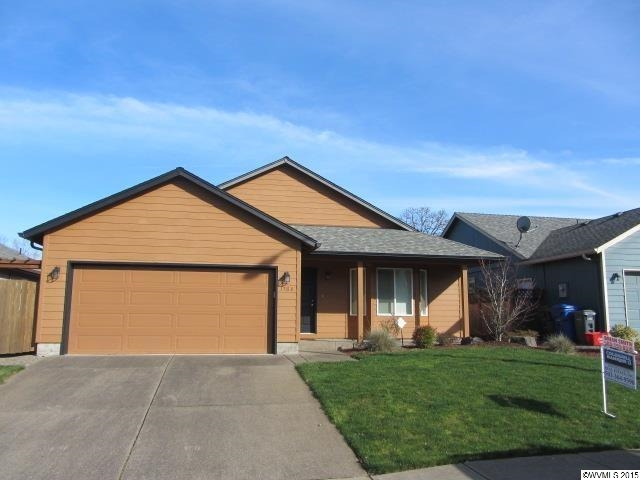 1768 Salmon River St NW, Salem, OR 97304